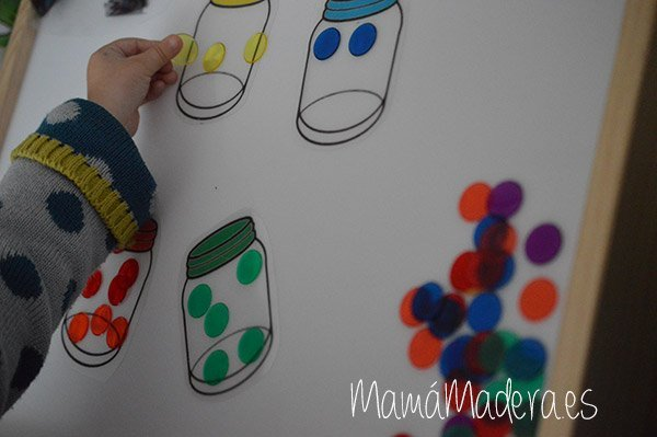 Jugamos con el monstruo de los colores y la Caja de Luz 14
