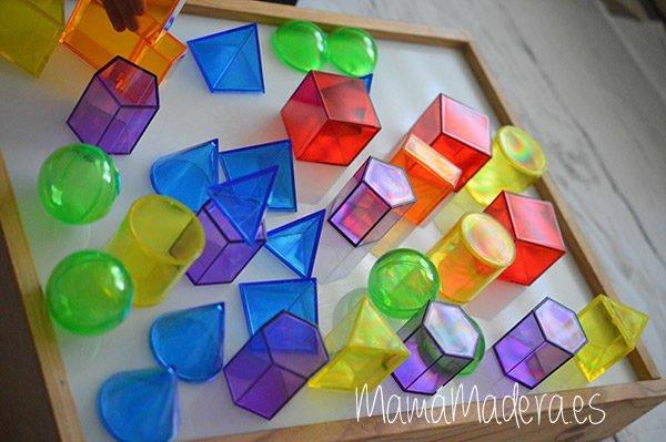 Sólidos geométricos translúcidos 1