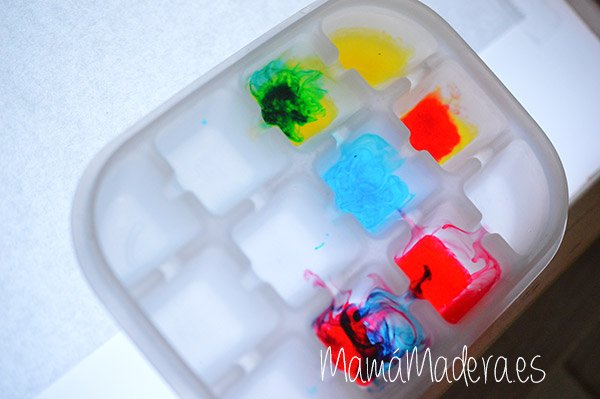 Gotas de agua en la caja de luz 18