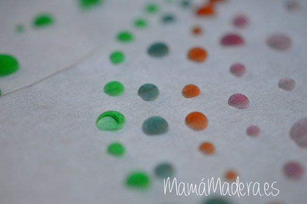 Gotas de agua en la caja de luz 16
