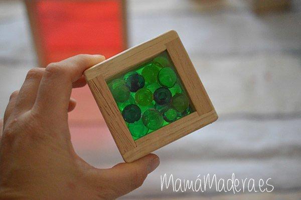 Set de 8 Bloques de madera transparentes con colores primarios 4