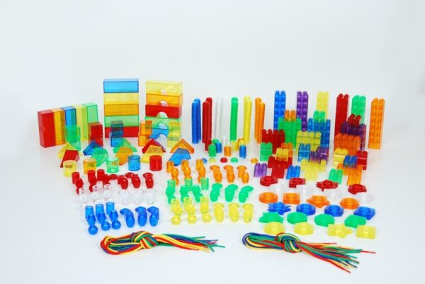 Kit de 634 piezas translucidas y cordones