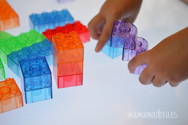 Bloques translúcidos de construcción tipo lego 1