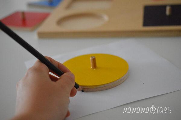 Puzle de madera con 10 formas geométricas de diferentes colores 3