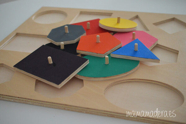 Puzle de madera con 10 formas geométricas de diferentes colores 1