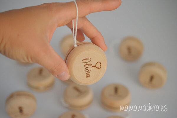 Yoyó de madera personalizado 3